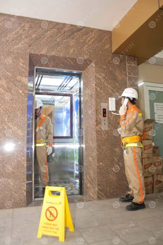 Bộ phận cứu hộ thang máy không hoạt động khi mất điện.