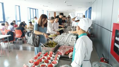 PSA khai trương bếp ăn phục vụ cán bộ giảng viên Trường đại học Kinh tế Quốc dân