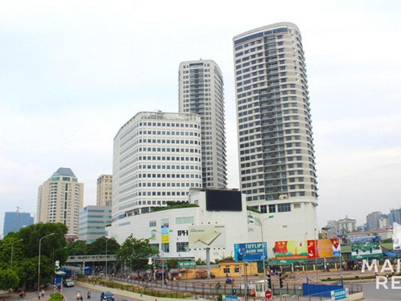 Tòa căn hộ phía Đông thuộc dự án Indochina Plaza có chiều cao142 m