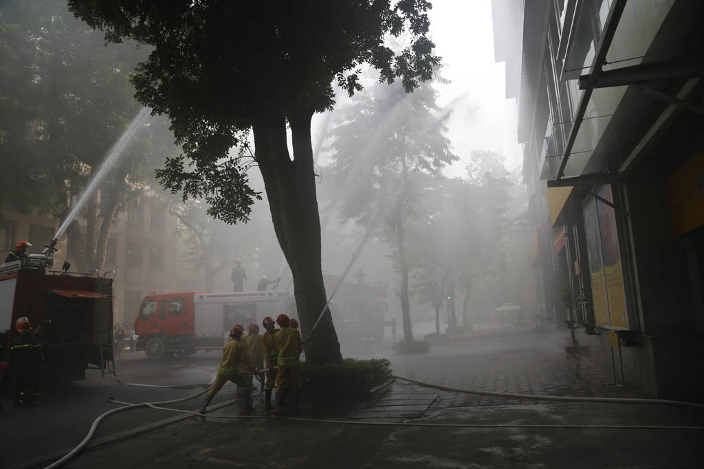 Diễn tập nghiệp vụ chữa cháy và thoát hiểm tại Tòa nhà PVcomBank số 22 Ngô Quyền