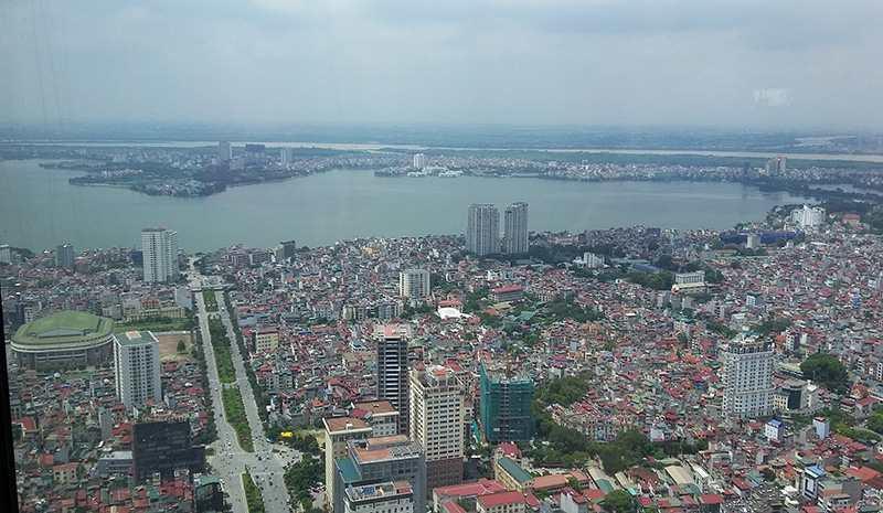 ại tầng nóc củatòa nhà Lotteđược bố trí quán bar và Đài quan sát Sky Walk giúp bạn có thể quan sát gần như toàn bộ thành phố Hà Nội.