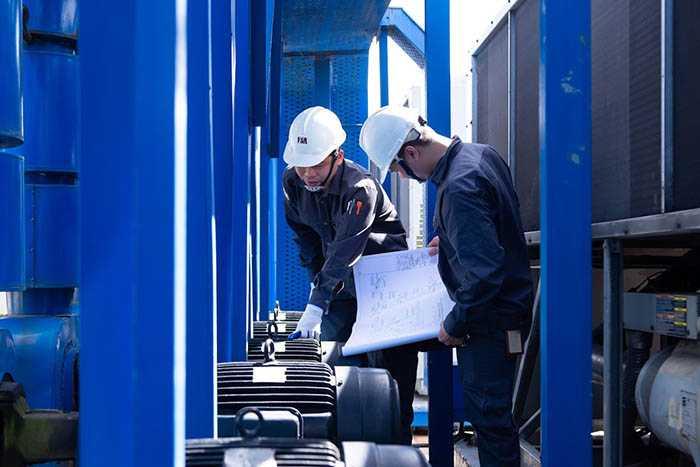 Bảo trì, bảo dưỡng hệ thống kỹ thuật trong tòa nhà là một phần việc quan trọng.
